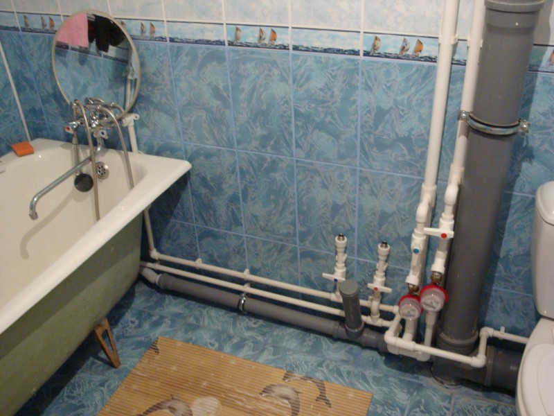 Как поменять трубы в ванной